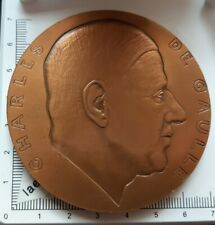G07103 médaille général Charles de Gaulle militaria ww2 signée A.RIVAUD 1945