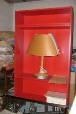 étagère rouge