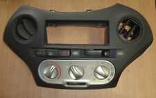 Toyota Yaris P1 Yr. 03-05 758277 55412-0D020 Control Panel Heating