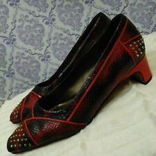 VTG Ronnie Srader Felicity Pumps Size 9 Leather Heels Red Snakeskin Gold Studded