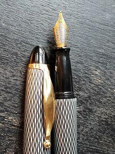 Creeks N' Creeks Vintage Fountain Pen: Black Lace Netting Pattern