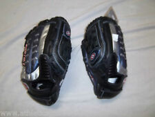 "EASTON SYS11 11"" YOUTH BASEBALL GLOVE RH PLAYER(GOES ON LEFT HAND)"