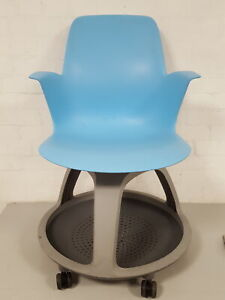 1 x Steelcase Node Chairs, Student Chair