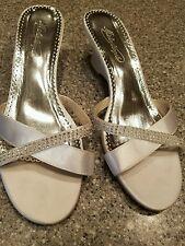 Michaelangelo shoes size 9.5M low heel sandal bride shoes white rhinestones LOVE