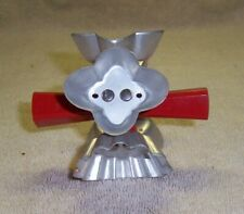 """New listing Vintage Wear-Ever No. 3355 Rolling Cookie Cutter Cuts 5 Different 2"""" Cookies"""