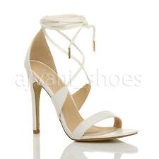 Sandali e scarpe spillo bianco con cinturino per il mare da donna