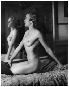 """Alfred Cheney Johnston - Nude Female Mirror Reflection (1920s) - 17"""" x 22"""" Print"""