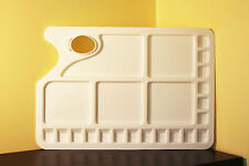 Oblong Plastic Painting Palette with thumbhole and multiple colour mixing wells