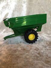 ERTL John Deere Wagon #L0515YL00 1:24 Scale - RARE