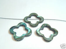 4 x 25mm Dyed Shell Flower Donut Beads: 09 Forest Green