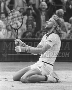 Bjorn Borg kneeling on court  8x10 11x14 16x20 photo 682