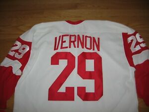 DETROIT RED WINGS MIKE VERNON #29 NEW WITH TAG SEWN ON PATCHES JERSEY BY CCM XXL