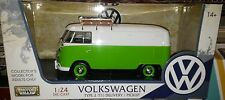VW Bus Type 2 Volkswagen T1 Delivery Van Diecast 1:24 Motornmax 8 inch Green Wht