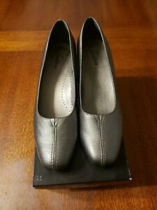 Womens Trotters Pumps Size 8 N