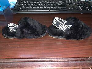 TODDLER SIZE 7 BLACK UGG SLIDE SHEEPSKIN SLIPPERS