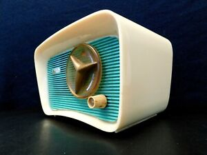 VINTAGE 1950s TRAVLER OLD JETSONS ANTIQUE ATOMIC RADIO MID CENTURY EAMES ERA