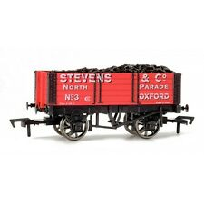Dapol 4F-052-003 5 Plank 9FT Stevens & Co 00 Gauge New Boxed - Tracked 48 Post