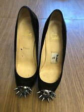 Authentic Christian Louboutin  Pumps  Size 40
