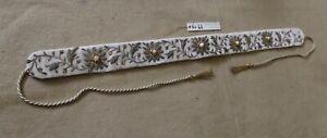Textil Nr. 62, Raffhalter, Schlaufe,aufwendig bestickt, Perlen, hochwertig,älter