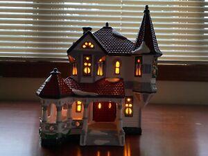 """Vintage Dept. 56 Snow Village """"Queen Anne Victorian"""" Retired #5157-8 with Box"""