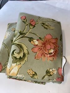 April Cornel New Dinner Cloth Table For 6 To Eight Flowers. 60 X 100 Approx Inch