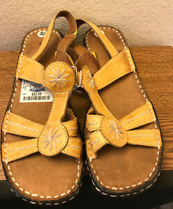 """Naturalizer Muster Yellow Slingback sandals 1.5"""" Comfortable Size 5.5"""