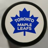 RARE STICKER LOGO! VINTAGE NHL TORONTO MAPLE LEAFS OFFICIAL HOCKEY PUCK - CZ