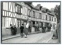 France, Rouen, Folklore. Costumes de Haute Normandie  Vintage silver print. Séri