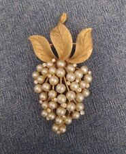 Crown Trifari Signed Vintage Pearl Rhinestone Grapes Brooch Gold Detail MINTY