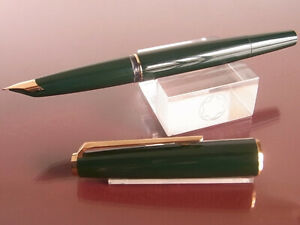 Vintage Montblanc 320 Fountain Pen in Dark Green Color Used From Japan