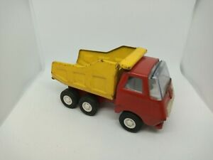 Vintage TONKA TOY  Tipper  Lorry Tonka Truck Vehicle 60s/70s red Fair Condition