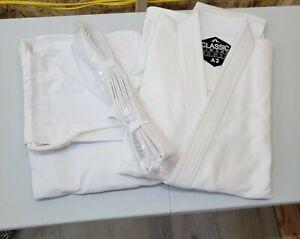 Combat Corner Classic Kimono Jiu Jitsu Gi for Men and Women A3 with white belt