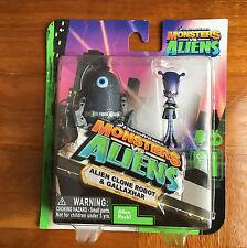 Dreamworks Monsters Vs Aliens Alien Clone Robot & Gallaxhar 2 Figurines Toy Kids