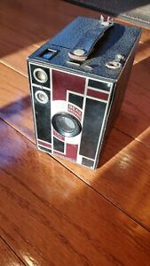 Art Deco No. 2A Eastman Kodak Beau Brownie Camera – Black & Maroon