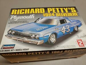 Lindberg NASCAR Richard Petty's 1964 Plymouth Belvedere Model Car Kit  #D4