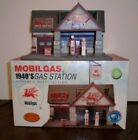 NEW RARE VINTAGE 2000 CHRONICLES CLAYTOWN 1940S MOBILGAS RESIN GAS STATION 1/43