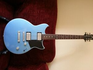 Yamaha RS420 Electric guitar. Solid body. Lovely tones. Slim neck