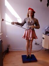 Moving cheerleader mannequin
