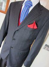 Divine Corneliani Super 150 Gesso Stripe COMPLETO antracite UK 44 W 38 L 31 EU 52