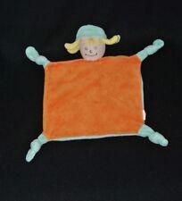 Peluche doudou poupée plat GIROPHARM vert orange cheveux jaune 4 noeuds TTBE