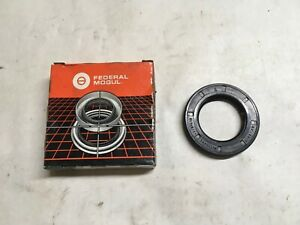 New Federal Mogul Differential Oil Seal 223255