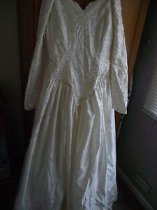 beautiful hillary morgan cream wedding dress size 14