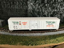New ListingN Scale Roundhouse 57' Tropicana Reefer #211 Micro-Trains Knuckle Couplers