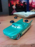 Disney Pixar Cars  Flo Y7348 Maßstab 1:55 Metall