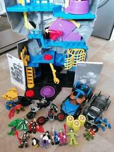 Fisher Price Batman Cave V8945 complete with Instructions, lights up & Extras