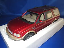 UT Models  22711 Ford Expedition Eddie Bauer Version  (rot-metallic) 1:18  OVP !