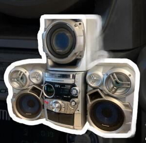 Panasonic SA-AK520 5 CD Changer With 2 Cassette And FM/AM Radio LOUD BASS