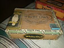 ANTIQUE WOODEN CIGAR BOX 10CT WHITE OWL INVINCIBLE 1952