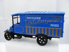 Corgi Classics C824 - 1926 Renault Van Marcel Gardet Paris (C5612)