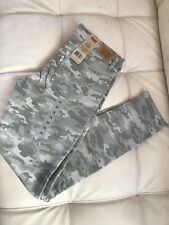 NWT - LEVIS Girls Super Skinny Gray Camo Jeans - Size 14
